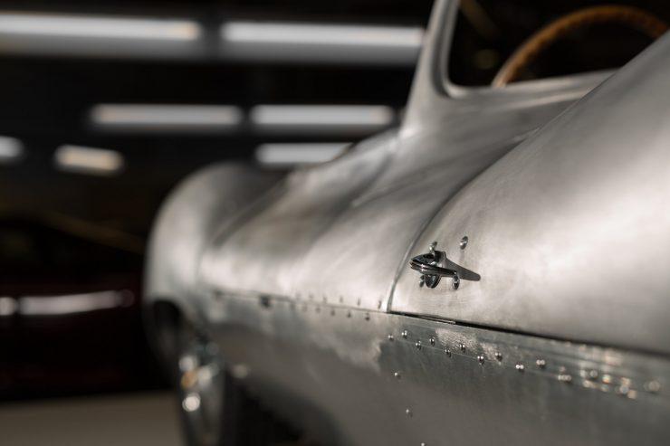 jaguar-xkss-25
