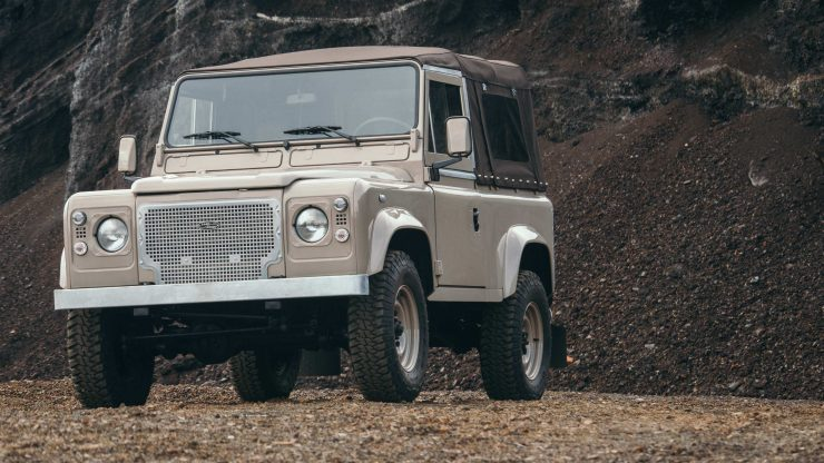 land-rover-defender-90-34