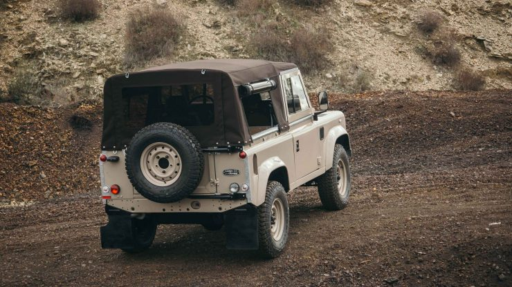 land-rover-defender-90-5