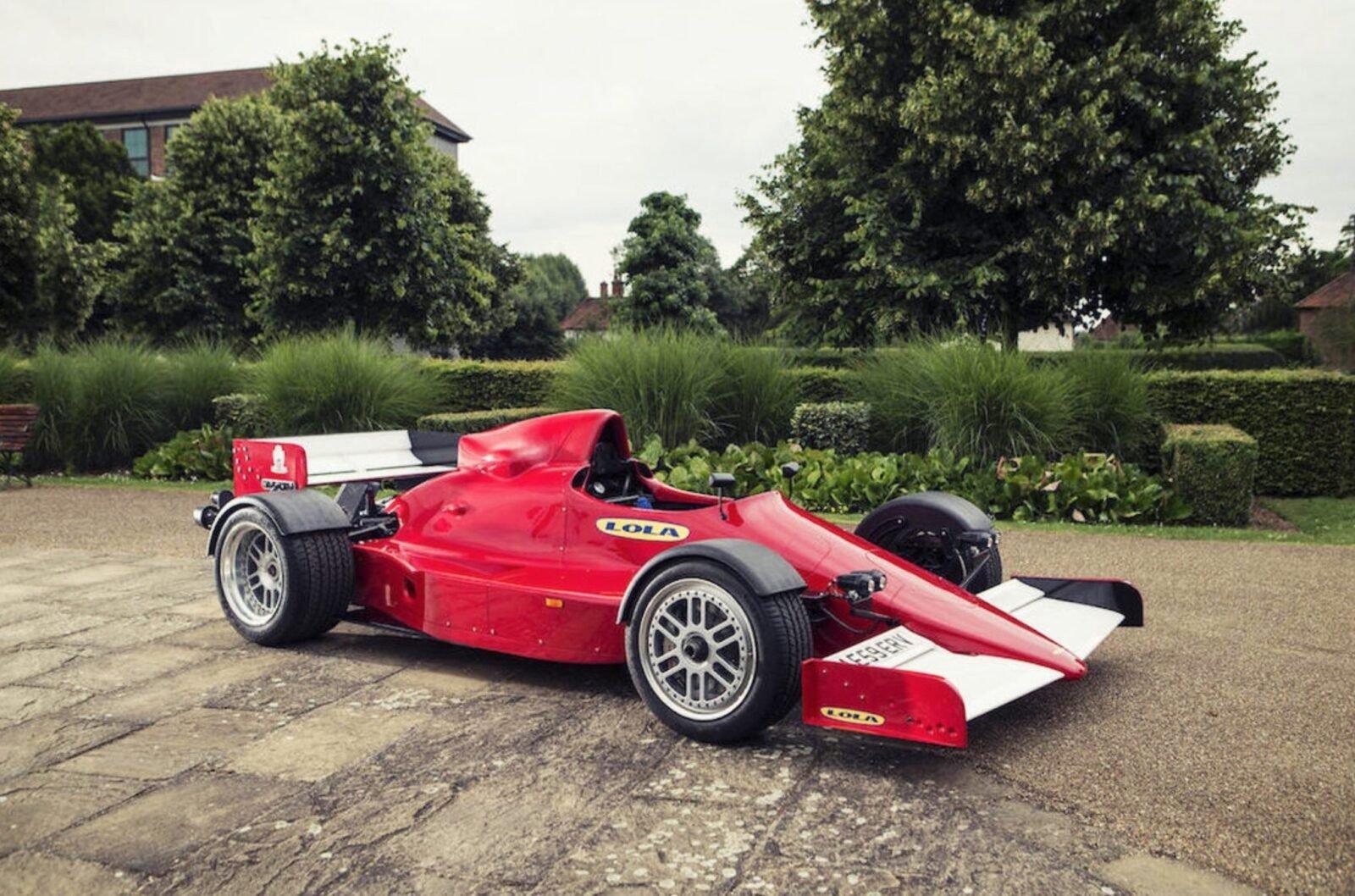 Lola F1R - Road-Legal Formula 1 Car