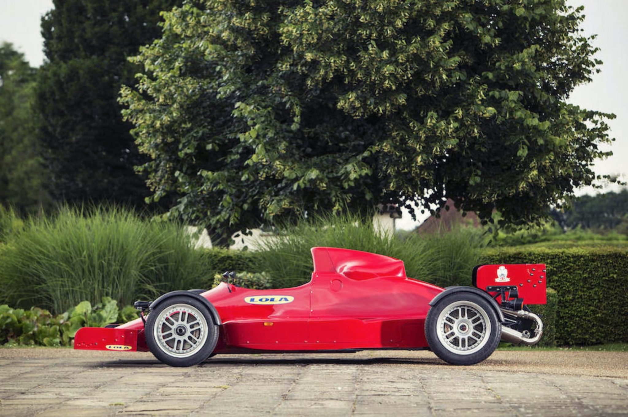 Lola F1R - Road-Legal Formula 1 Car