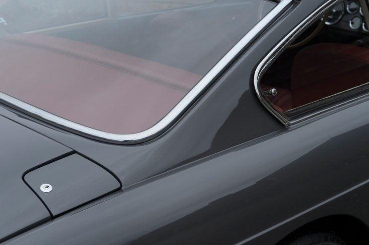 Ferrari 250 GTE 18 740x492 - 1963 Ferrari 250 GTE