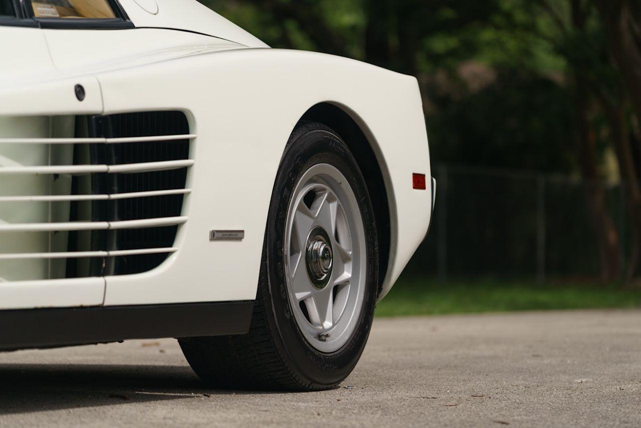 Ferrari-Testarossa-Miami-Vice-7.jpg