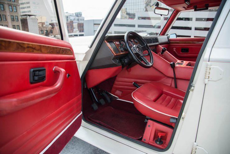 Lamborghini LM 002 18 740x494 - Lamborghini LM 002