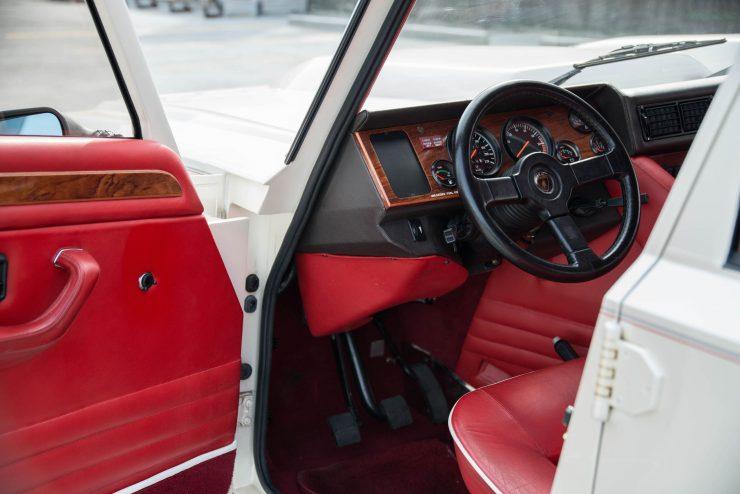 Lamborghini LM 002 20 740x494 - Lamborghini LM 002