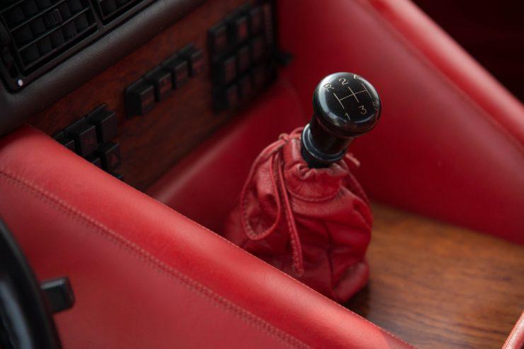 Lamborghini LM 002 23 740x494 - Lamborghini LM 002