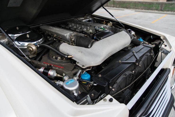 Lamborghini LM 002 28 740x494 - Lamborghini LM 002