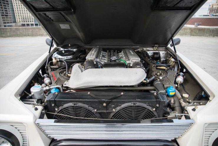 Lamborghini LM 002 29 740x494 - Lamborghini LM 002