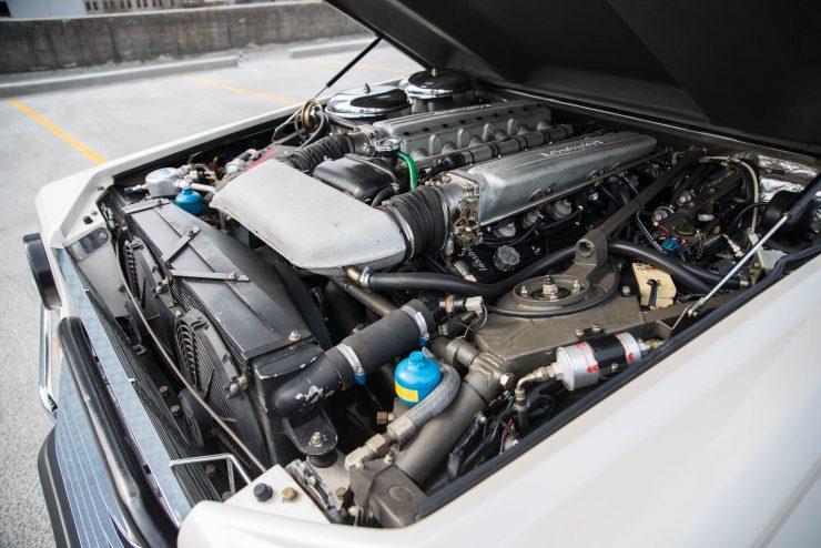 Lamborghini LM 002 30 740x494 - Lamborghini LM 002