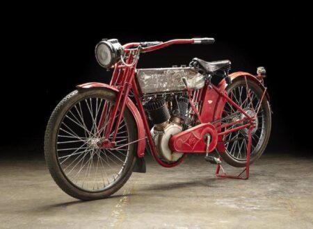 Steve McQueens 1912 Harley Davidson X8E Big Twin 450x330