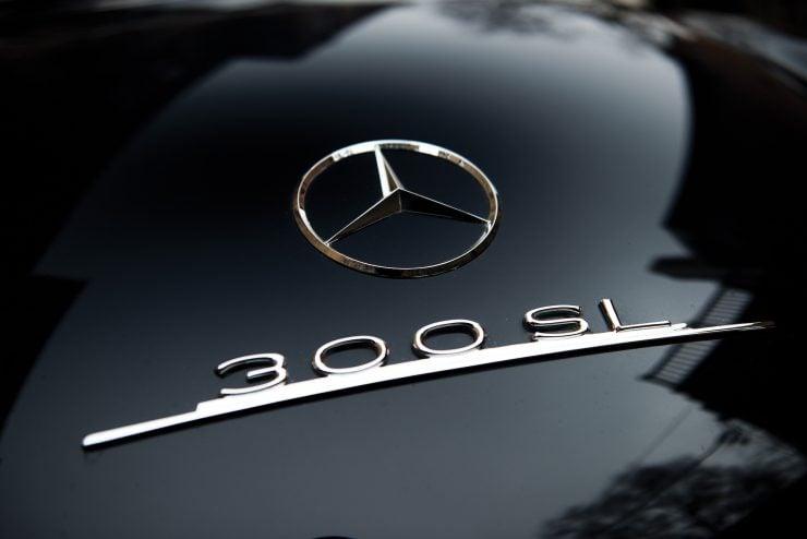 Mercedes Benz 300 SL Gullwing 11 740x494 - Mercedes-Benz 300 SL Gullwing