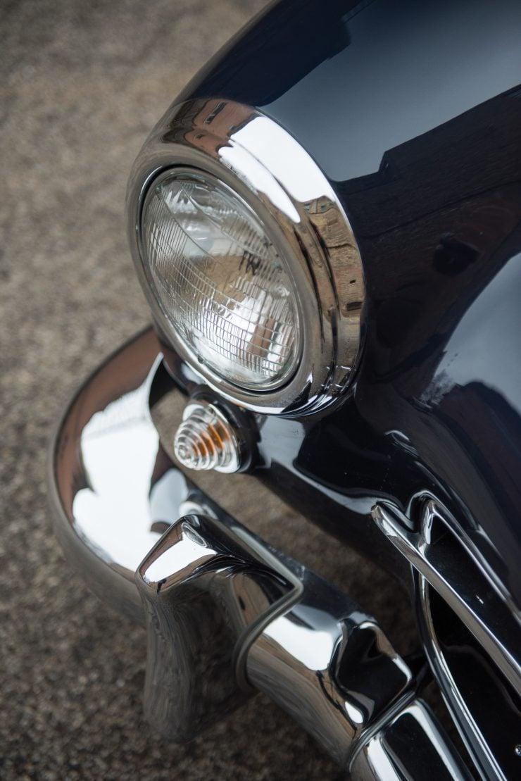 Mercedes Benz 300 SL Gullwing 12 740x1109 - Mercedes-Benz 300 SL Gullwing
