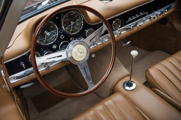 Mercedes Benz 300 SL Gullwing 21 740x494 - Mercedes-Benz 300 SL Gullwing