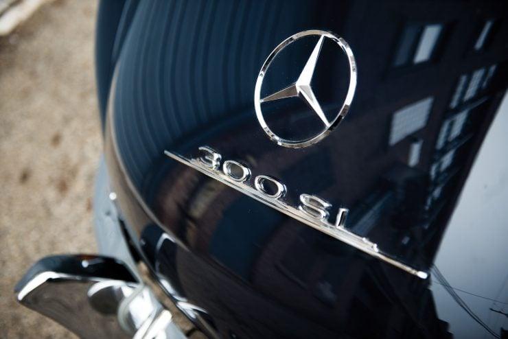 Mercedes Benz 300 SL Gullwing 9 740x494 - Mercedes-Benz 300 SL Gullwing
