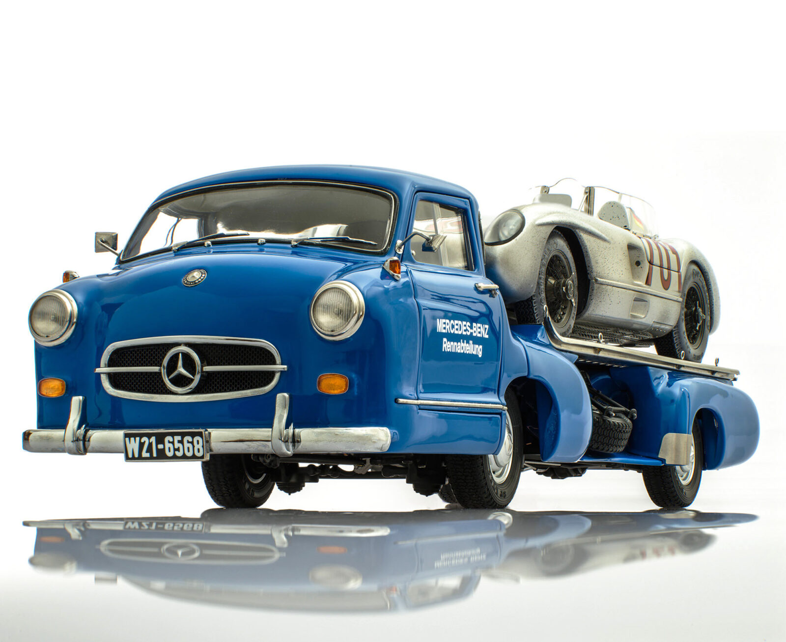 blue wonder dirty hero 300slr 1 1600x1307 - Mercedes-Benz Blue Wonder + Dirty Hero 300 SLR