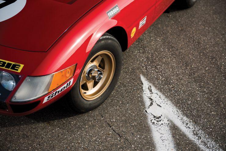 ferrari 365 gtb4 daytona 20 740x494 - Ferrari 365 GTB/4 Daytona Competizione Conversion