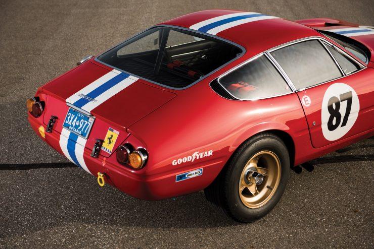 ferrari 365 gtb4 daytona 21 740x494 - Ferrari 365 GTB/4 Daytona Competizione Conversion
