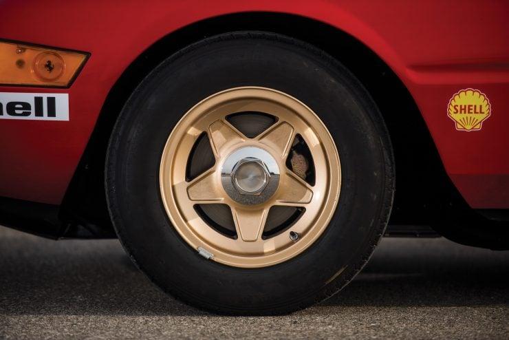 ferrari 365 gtb4 daytona 23 740x494 - Ferrari 365 GTB/4 Daytona Competizione Conversion