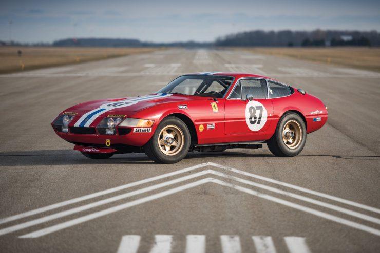 ferrari 365 gtb4 daytona 33 740x494 - Ferrari 365 GTB/4 Daytona Competizione Conversion