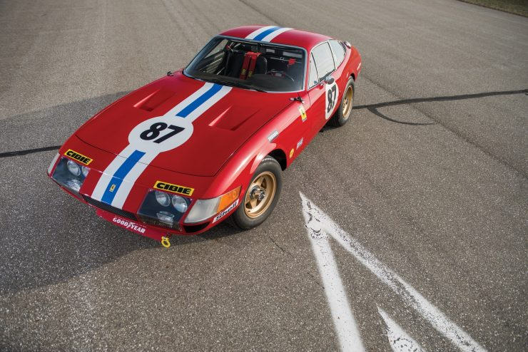 ferrari 365 gtb4 daytona 34 740x494 - Ferrari 365 GTB/4 Daytona Competizione Conversion