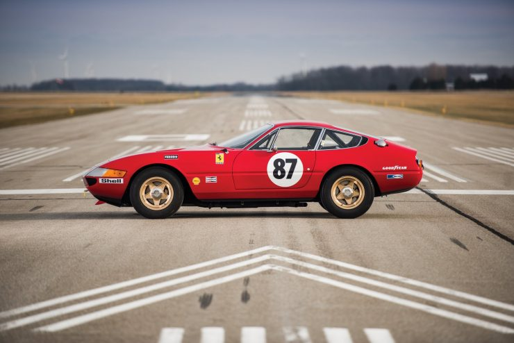 ferrari 365 gtb4 daytona 5 740x494 - Ferrari 365 GTB/4 Daytona Competizione Conversion