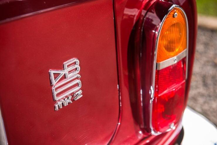 1971 Aston Martin DB6 MKII Vantage badge 740x493 - Aston Martin DB6 MKII Vantage