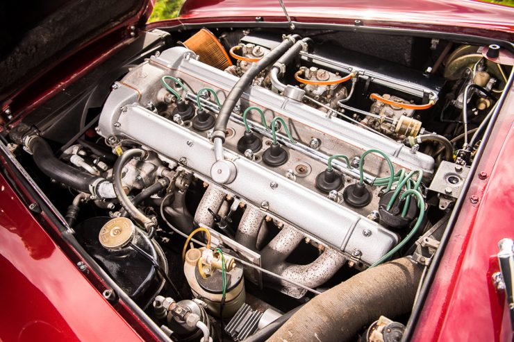 1971 Aston Martin DB6 MKII Vantage engine 740x493 - Aston Martin DB6 MKII Vantage