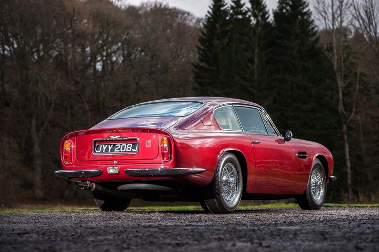 1971 Aston Martin DB6 MKII Vantage rear 34 740x493 - Aston Martin DB6 MKII Vantage