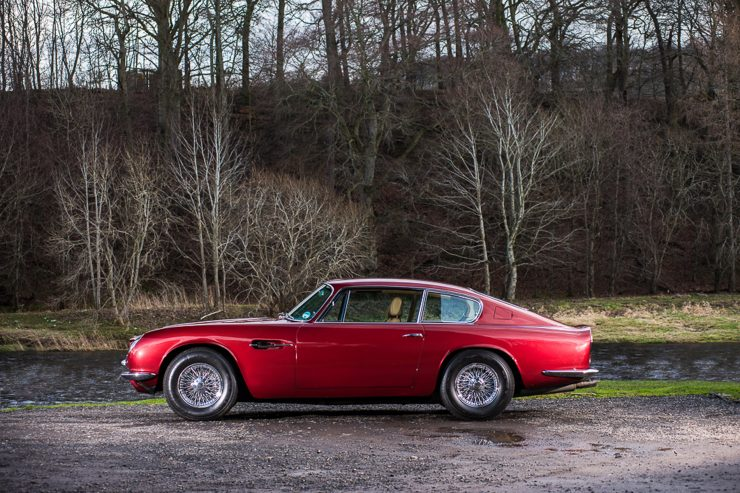 1971 Aston Martin DB6 MKII Vantage side 740x493 - Aston Martin DB6 MKII Vantage