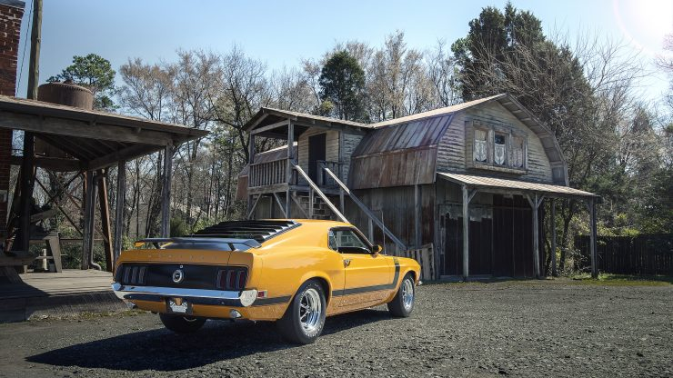 Ford Mustang Boss 302 9 740x416 - 1970 Ford Mustang Boss 302