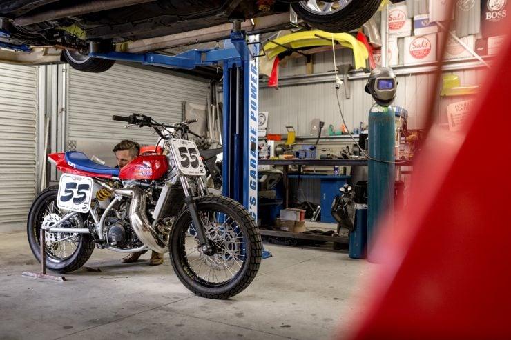 Honda CR500 11 740x493 - Honda CR500 Flat Tracker