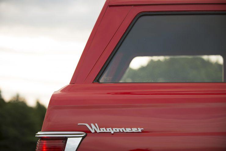 Jeep Wagoneer 11 740x494 - 1968 Jeep Wagoneer