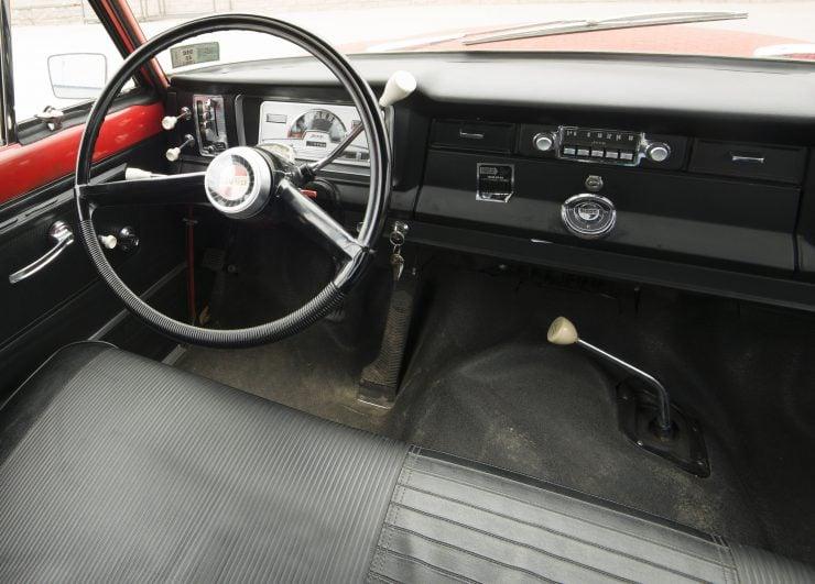 Jeep Wagoneer 2 740x531 - 1968 Jeep Wagoneer