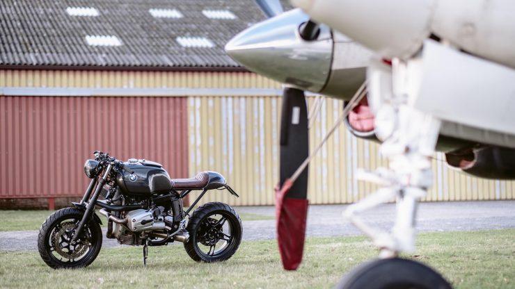 bmw r1100s custom motorcycle 10 740x416 - Moto Adonis BMW R1100S