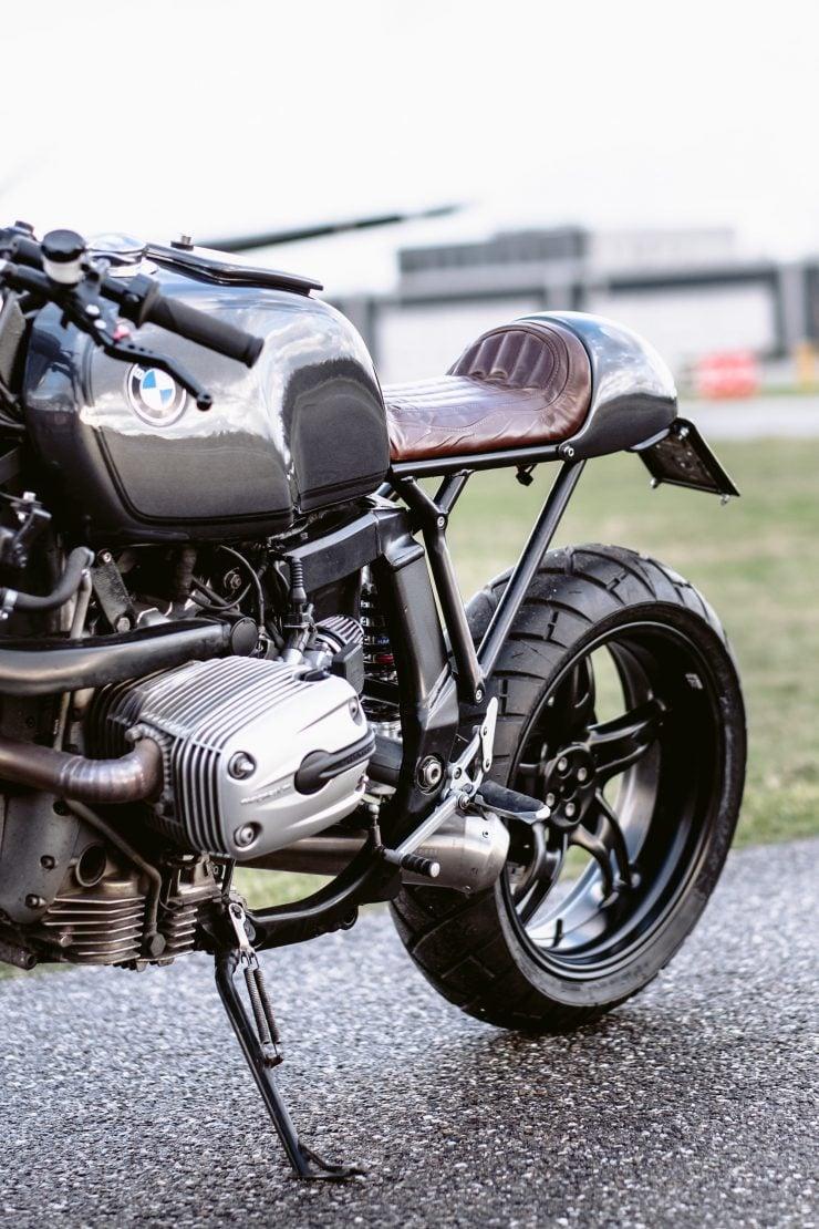 bmw r1100s custom motorcycle 22 740x1110 - Moto Adonis BMW R1100S