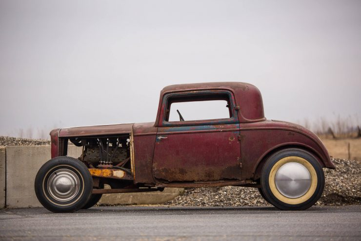 1932 Ford Drag Racer 1 740x493 - 1932 Ford - Drag Racing Class AB Champion of 1954