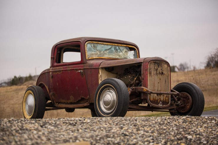 1932 Ford Drag Racer 12 740x493 - 1932 Ford - Drag Racing Class AB Champion of 1954