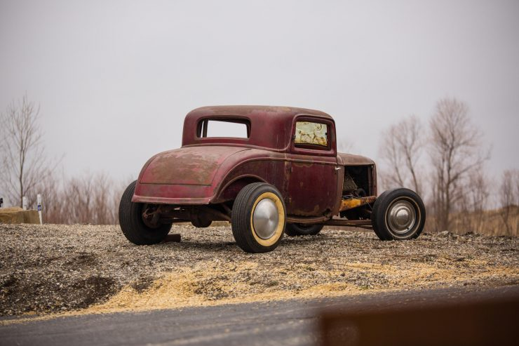 1932 Ford Drag Racer 2 740x493 - 1932 Ford - Drag Racing Class AB Champion of 1954