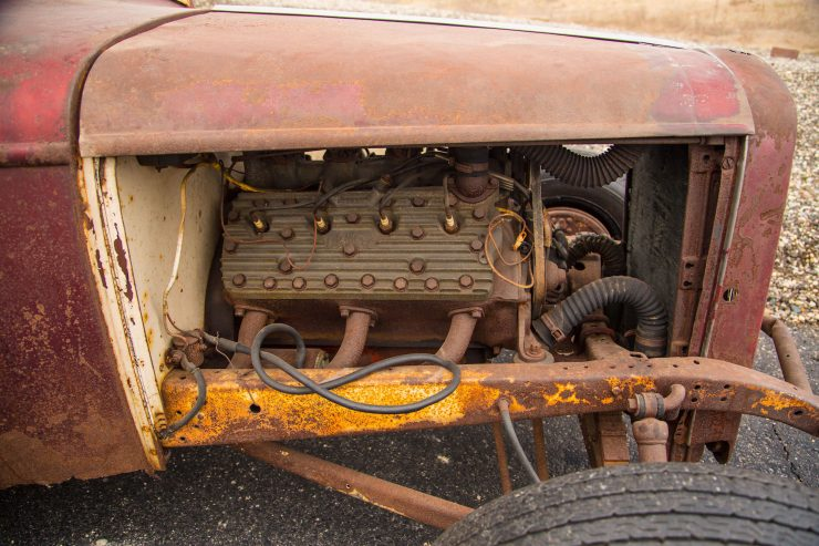 1932 Ford Drag Racer 6 740x493 - 1932 Ford - Drag Racing Class AB Champion of 1954