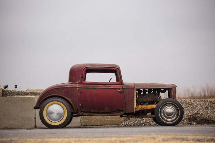 1932 Ford Drag Racer 7 740x493 - 1932 Ford - Drag Racing Class AB Champion of 1954