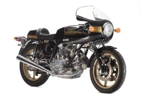 Ducati 900SS 450x330