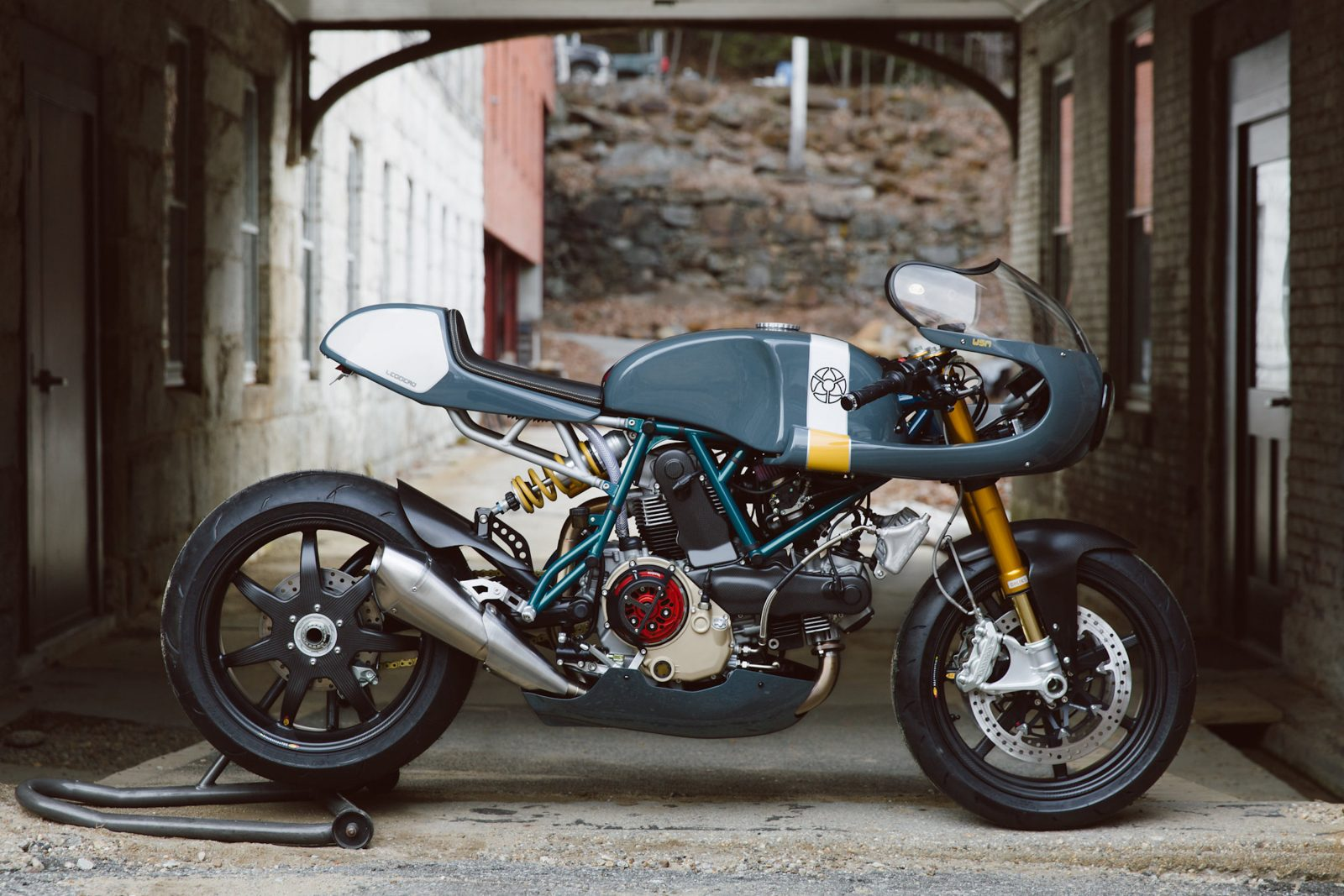Ducati Custom Motorycle Leggero 1600x1067 - Mike's Leggero by Walt Siegl