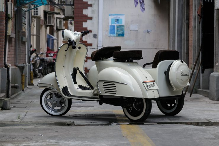 Electric Scooter 7 740x493 - Shanghai Customs 100% Electric Sidecar Scooter
