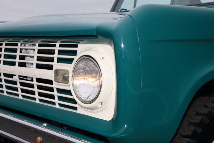 Ford Bronco 10 740x493 - 1967 Ford Bronco Half Cab