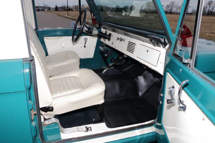 Ford Bronco 4 740x493 - 1967 Ford Bronco Half Cab