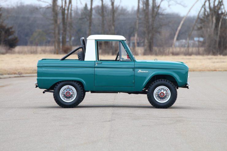 Ford Bronco 7 740x493 - 1967 Ford Bronco Half Cab