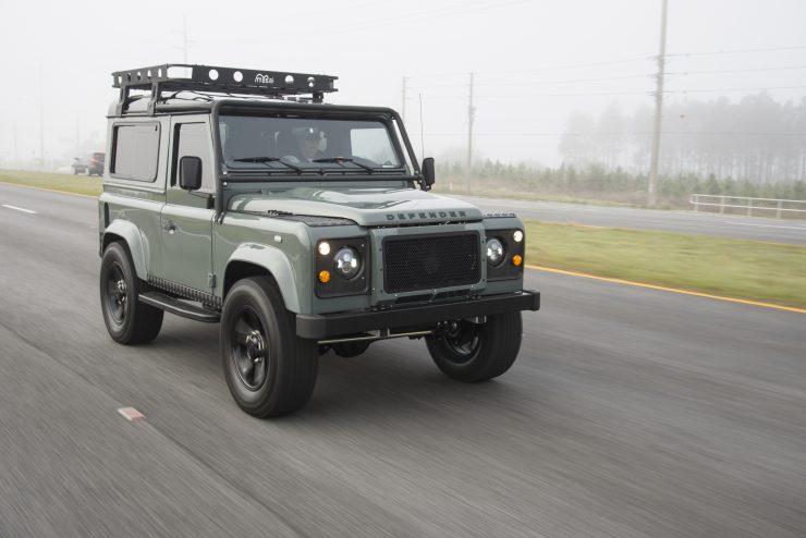 Land Rover Defender 90 10 740x494 - Project 13 Land Rover Defender 90