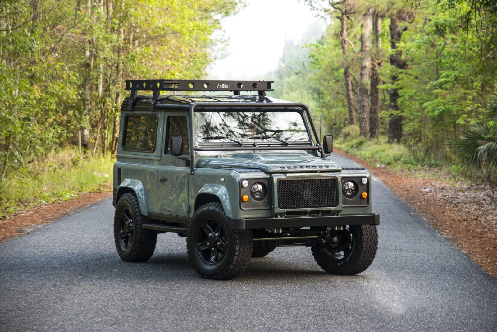 Project 13 land rover defender 90 for Interieur defender 90