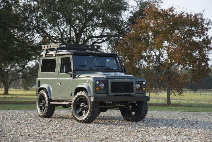 Land Rover Defender 90 7 740x494 - Project 13 Land Rover Defender 90