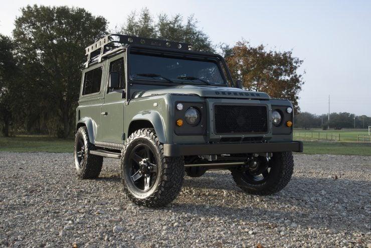 Land Rover Defender 90 8 740x494 - Project 13 Land Rover Defender 90